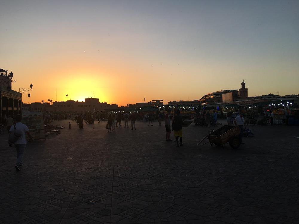 Zachód słońca w marrakeszu