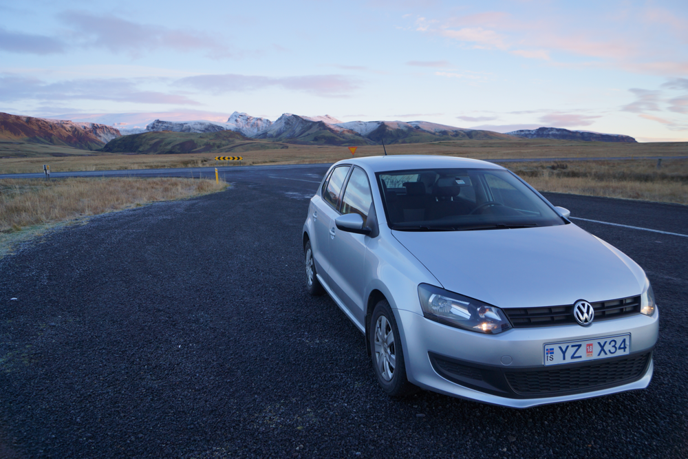 Samochód na Islandii